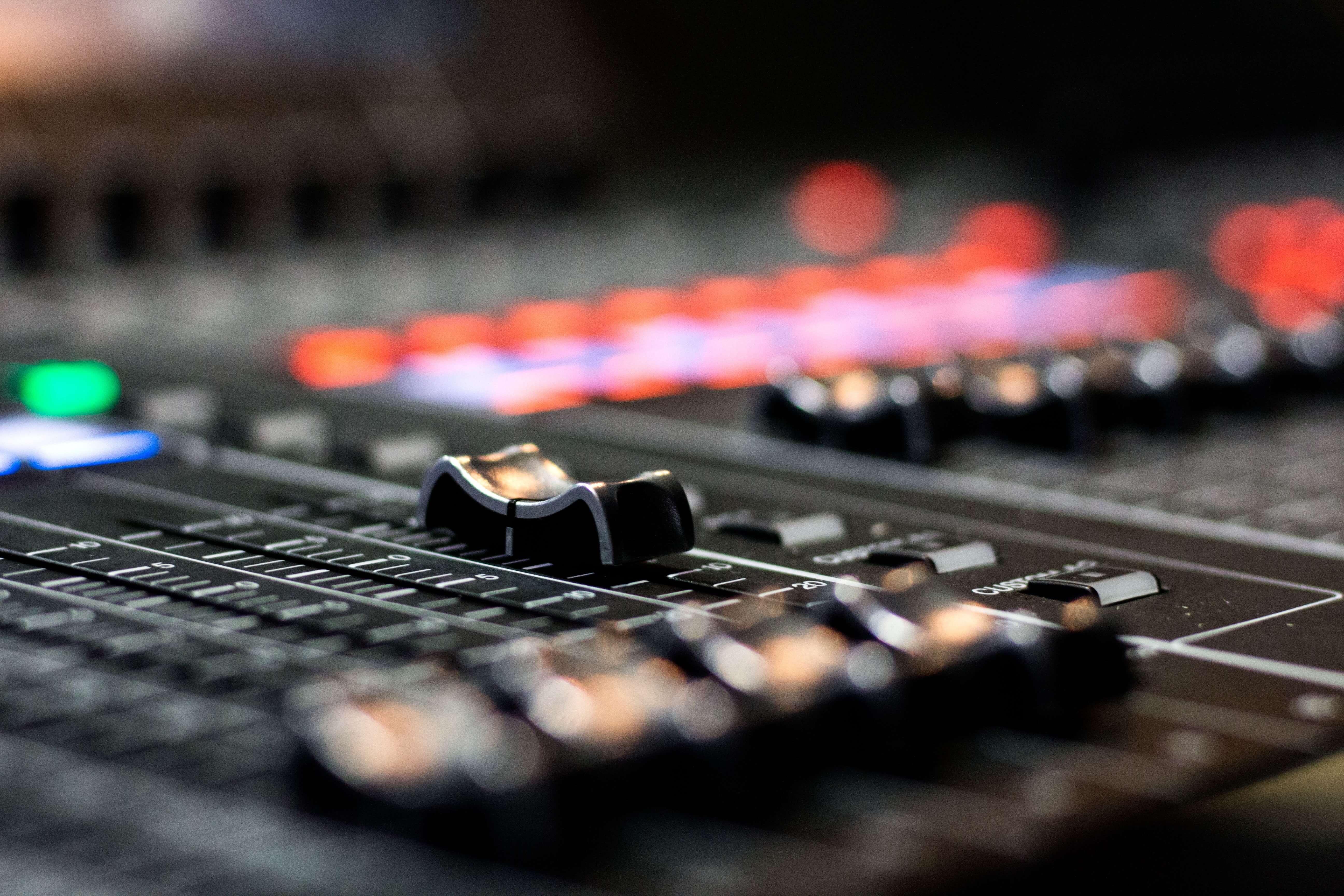 Come produrre musica elettronica: le basi